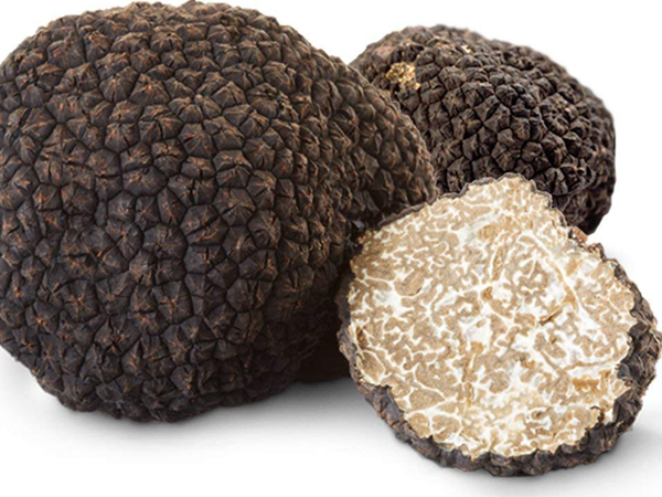 black-truffle-oilpng.png